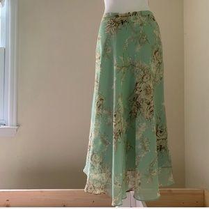 3 for $15 🔴 Mint Floral Midi Chiffon Skirt